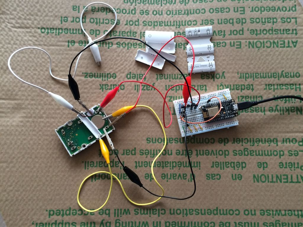 ESP8266 development board controlling button 1 and 2 of the IHC Wireless switch